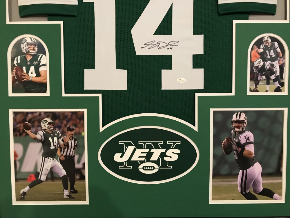 Sam Darnold Signed Jets 34x42 Custom Framed Jersey Display (JSA COA) at  PristineAuction. c00fcd66b