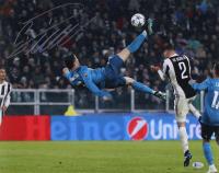 """Cristiano Ronaldo Signed Real Madrid """"Bicycle Kick"""" 16x20 Photo (Beckett COA)"""