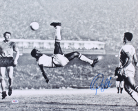 "Pele Signed Brazil ""1965 Bicycle Kick"" 16x20 Photo (PSA COA)"