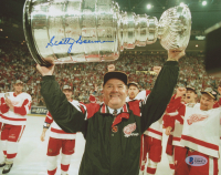 Scotty Bowman Signed Red Wings 8x10 Photo (Beckett COA)