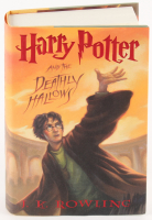 "Daniel Radcliffe Signed ""Harry Potter and the Deathly Hallows"" Hard Cover Book (PSA COA)"