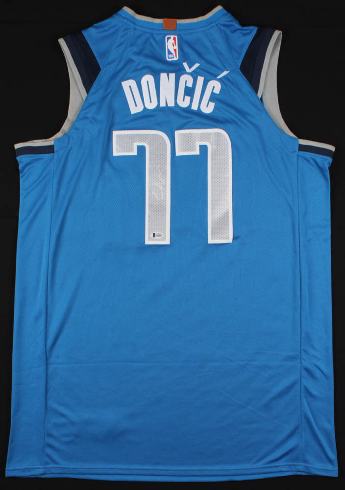7c70c76f3 Luka Doncic Signed Mavericks Nike Jersey (Beckett COA)