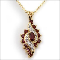 4.49 CT Garnet & Diamond Elegant Necklace