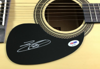 Brantley Gilbert Signed Full-Size Rogue Acoustic Guitar (PSA COA)