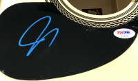 Joe Bonamassa Signed Full-Size Rogue Acoustic Guitar (PSA COA)