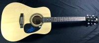 Vince Gill Signed Full-Size Rogue Acoustic Guitar (PSA COA)