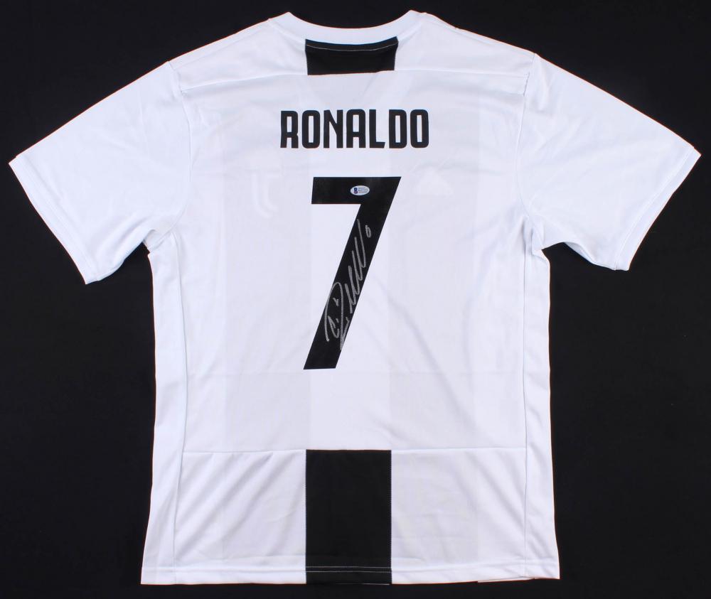 648bcd639 Cristiano Ronaldo Signed Juventus Adidas Jersey (Beckett COA)