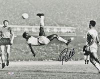 Pele Signed Brazil 16x20 Photo (PSA Hologram)
