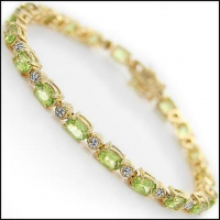 13.29 CT Peridot  & Diamond Designer Bracelet