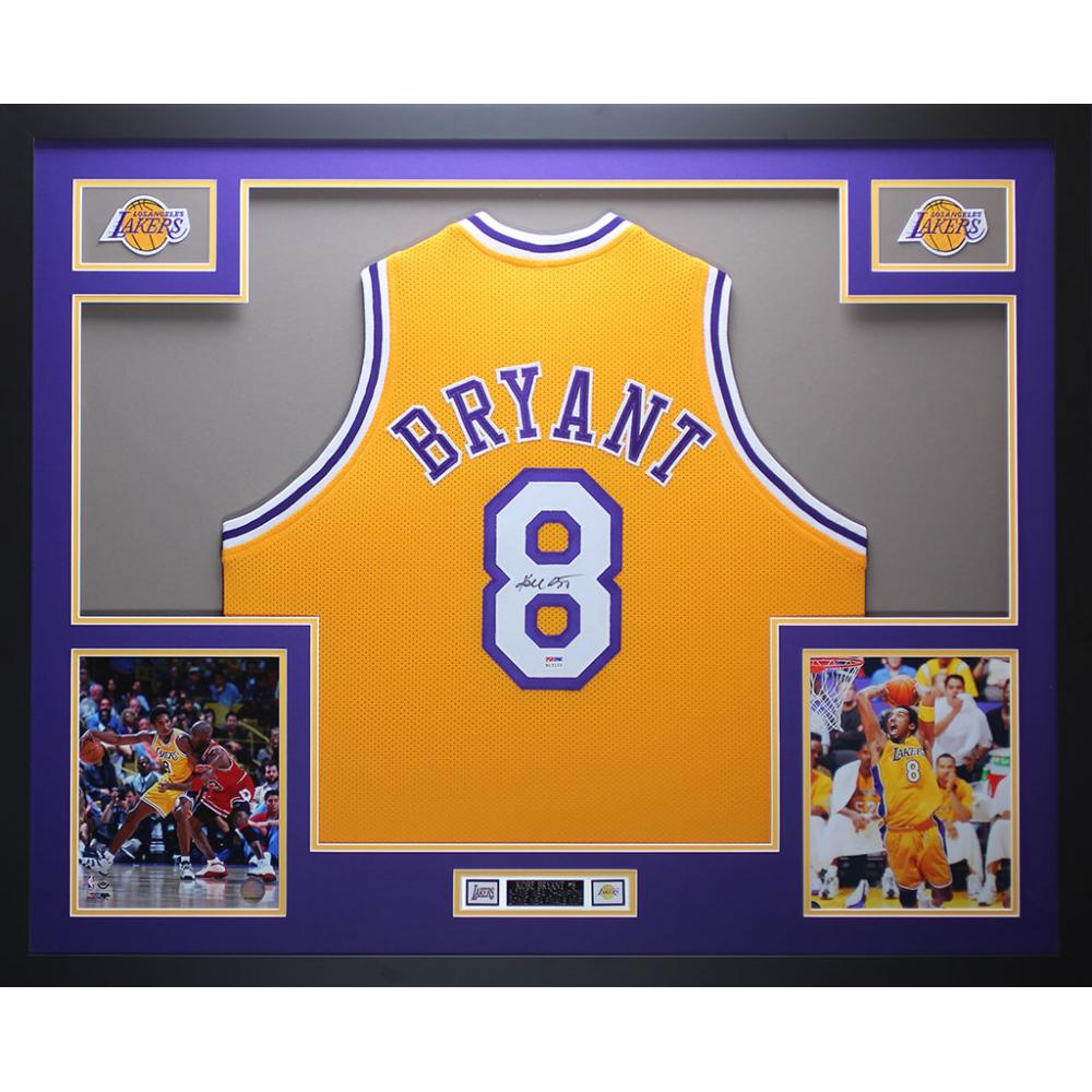 ad5e7528b67 Online Sports Memorabilia Auction