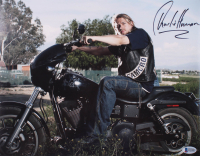 """Charlie Hunnam Signed """"Sons of Anarchy"""" 11x14 Photo (Beckett COA)"""