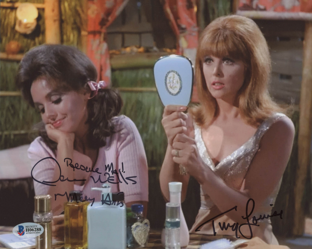 """Dawn Wells & Tina Louise Signed """"Gilligan's Island"""" 8x10 Photo Inscribed  """"Rescue Me!"""" & """"Mary Ann"""" (Beckett COA)   Pristine Auction"""