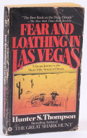 """Hunter Tompson Signed """"Fear And Loathing In Las Vegas"""" Softcover Book (Beckett LOA)"""