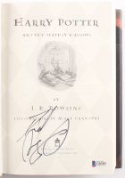 """Daniel Radcliffe Signed """"Harry Potter and the Deathly Hallows"""" Hardcover Book (Beckett COA) at PristineAuction.com"""