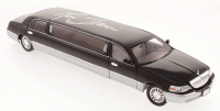 Ric Flair Signed 1:28 Scale Die-Cast Lincoln Limousine (Schwartz COA)