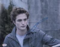 "Robert Pattinson Signed ""Twilight"" 11x14 Photo (PSA COA) at PristineAuction.com"