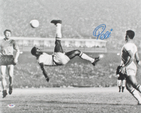 Pele Signed Brazil 16x20 Photo (PSA COA) at PristineAuction.com