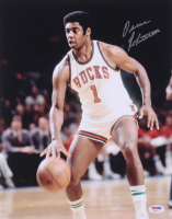 Oscar Robertson Signed Milwaukee Bucks 11x14 Photo (PSA COA)