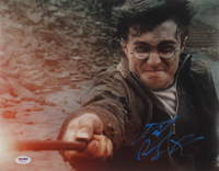 """Daniel Radcliffe Signed """"Harry Potter & the Deathly Hallows: Part 2"""" 11x14 Photo (PSA COA) at PristineAuction.com"""