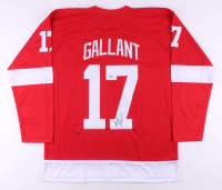 Gerard Gallant Signed Jersey (Beckett COA)