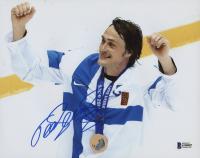 Teemu Selanne Signed Team Finland 8x10 Photo (Beckett COA)