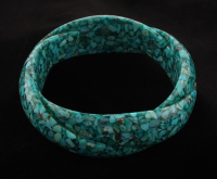 """Chip Shaped Turquoise Twist Textured Bangle 8"""" at PristineAuction.com"""