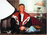 "Mickey Mantle Signed ""Baseball Bugs"" 18x20 Custom Framed LE Warner Bros Sericel Inscribed ""No. 7"" (UDA Hologram) at PristineAuction.com"