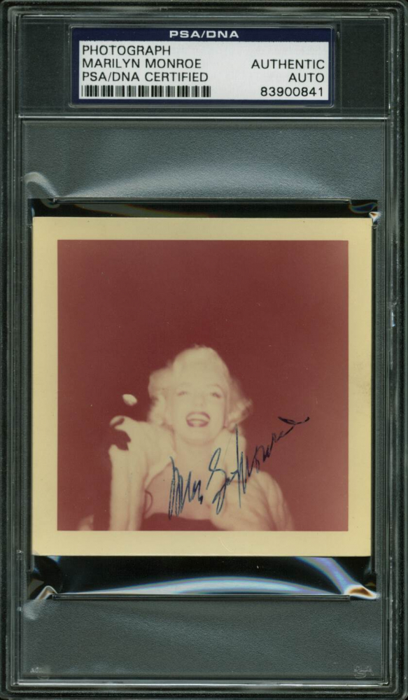 Marilyn Monroe Signed 3.5x3.5 1955 Photo (PSA Encapsulated) at PristineAuction.com