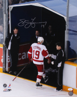 Steve Yzerman Signed Detroit Red Wings 16x20 Photo (JSA COA) at PristineAuction.com