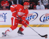Niklas Lidstrom Signed Detroit Red Wings 16x20 Photo (JSA COA) at PristineAuction.com