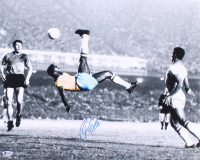 "Pele Signed Team Brazil ""Bicycle Kick"" 16x20 Photo (Beckett COA) at PristineAuction.com"