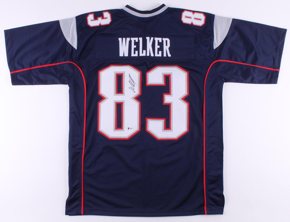 Wes Welker Signed Jersey (Beckett COA) | Pristine Auction
