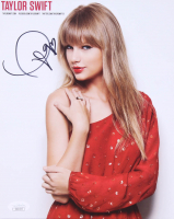 Taylor Swift Signed 8x10 Photo (JSA COA) at PristineAuction.com
