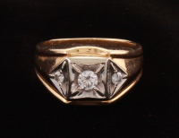 14KT Yellow Gold Gent Diamond Ring at PristineAuction.com