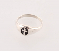 Sterling Silver Oval Cross Band Ring - SZ 7 at PristineAuction.com