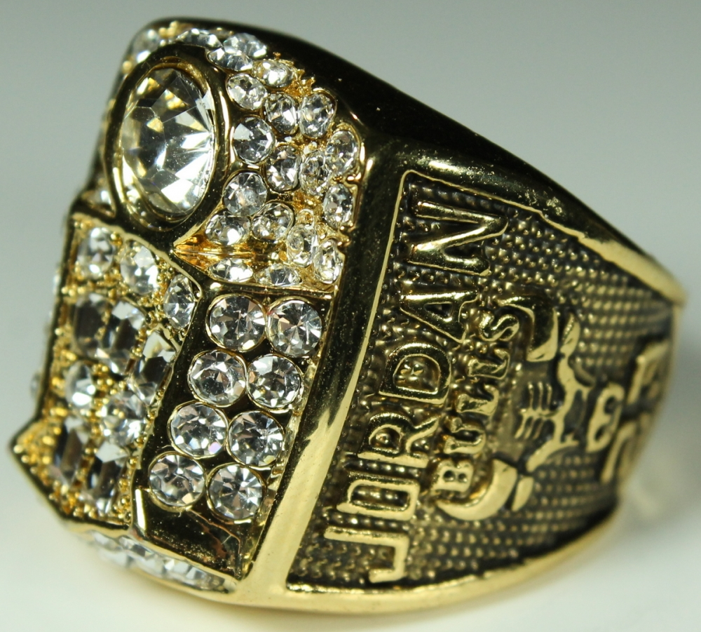 Michael Jordan Chicago Bulls High Quality Replica 1998 NBA World Champions Ring At PristineAuction