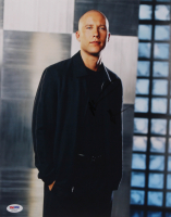 "Michael Rosenbaum Signed ""Smallville"" 11x14 Photo (PSA Hologram) at PristineAuction.com"