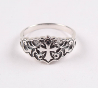 Sterling Silver Cross Ring - SZ 11 at PristineAuction.com