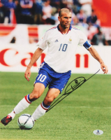 Zinedine Zidane Signed France 11x14 Photo (Beckett COA) at PristineAuction.com