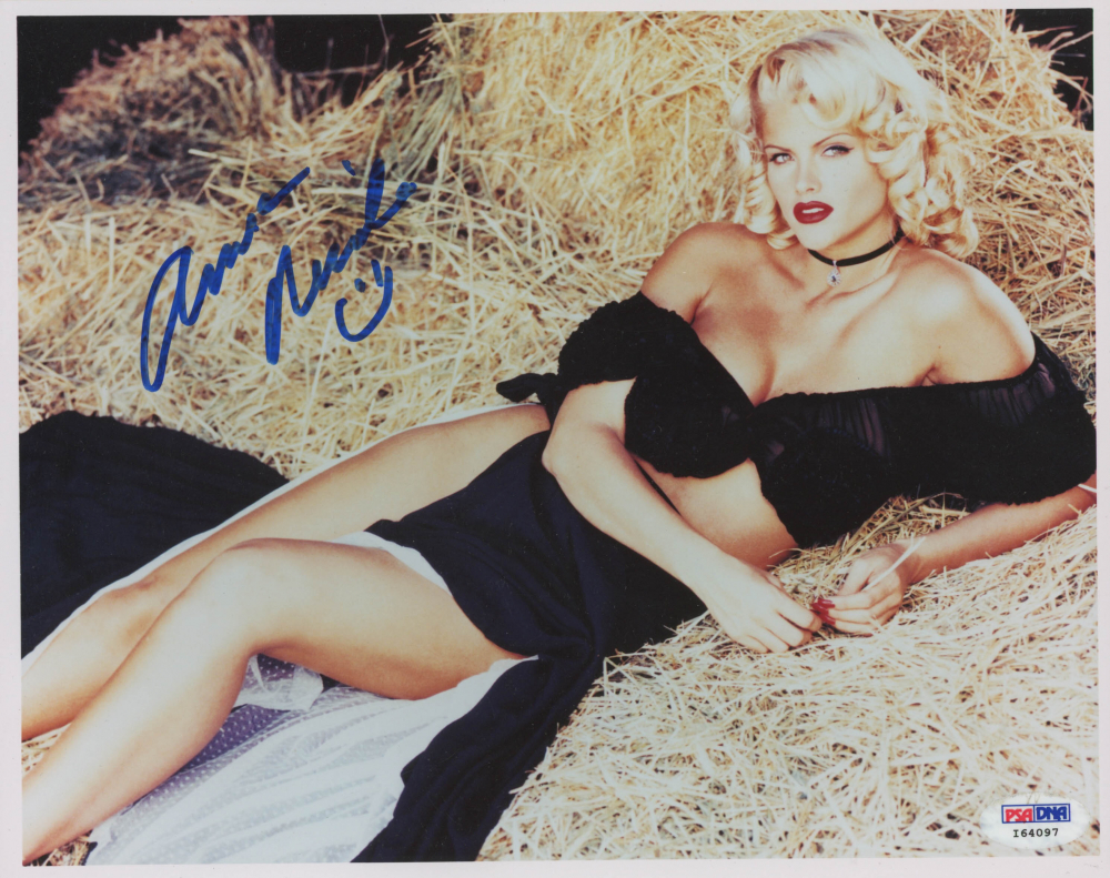 Anna Nicole Smith Signed 8x10 Photo (PSA Hologram) at PristineAuction.com