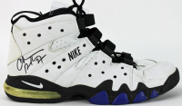 Charles Barkley Signed Game-Used Nike Air Max Basketball Cleat (PSA COA) at PristineAuction.com