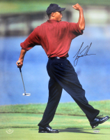 Tiger Woods Signed 16x20 Photo (UDA COA) at PristineAuction.com