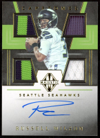Russell Wilson 2019 Panini Majestic Capstones Jersey Autographs Gold #4 at PristineAuction.com