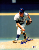 Tom Seaver Signed Mets 8x10 Photo (Beckett COA) at PristineAuction.com