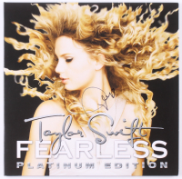 "Taylor Swift Signed ""Fearless"" Vinyl Record Album Cover (JSA COA) at PristineAuction.com"