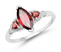 Garnet .925 Sterling Silver Ring at PristineAuction.com