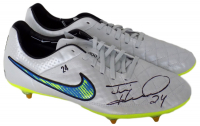 Tim Howard Signed Pair of (2) Everton FC Game Issued Nike Cleats (Howard Hologram) at PristineAuction.com