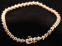 14k Yellow Gold & Diamond Line Bracelet (Imperfect) at PristineAuction.com