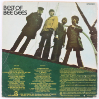 """Barry Gibb, Maurice Gibb & Robin Gibb Signed Bee Gees """"Best Of Bee Gees"""" Vinyl Record Album (JSA LOA) at PristineAuction.com"""