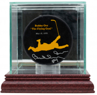 "Bobby Orr Signed ""The Flying Goal"" Bruins Logo Hockey Puck with Display Case (GNR COA) at PristineAuction.com"